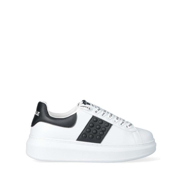 Sneakers Donna in ecopelle con borchie bombate GAELLE GBDC2358